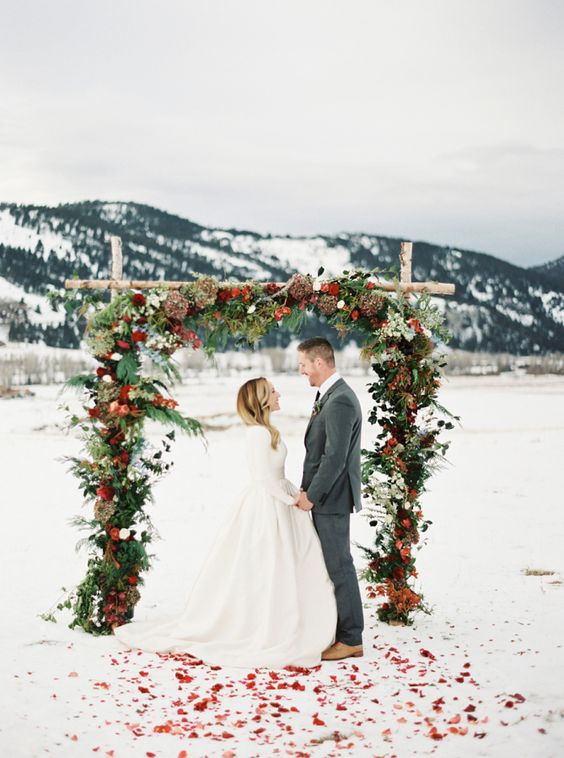 winter wedding arch. Portugal wedding planning