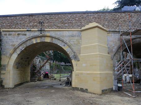 De achterkant van de brug.
