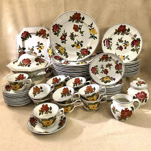 Wedgwood Georgetown Collection - Kimono - Service for 12 - 64 Pcs.