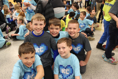 Kindcraft_youth boy volunteers.jpg