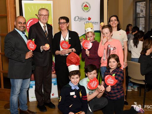 Le Sénateur Eggleton dépose une motion pour un programme national de nutrition enfants et jeunes