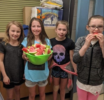 Over 40,000 students in Ontario snack on more than 1 million servings of fresh fruit and veggies!