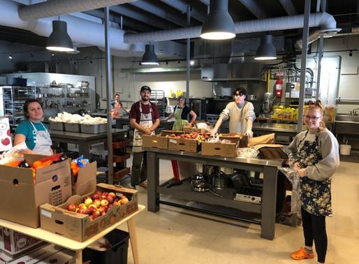 Mobiliser les communautés pour l'accès à une alimentation saine pendant la fermeture des écoles