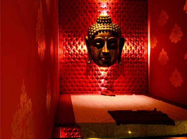 Aura Heritage Spa massage room