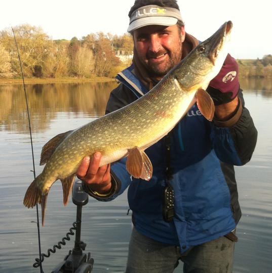 Moniteur_guide_de_pêche,_confluence_pêch