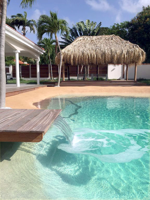 villa-carouge-martinique-piscine-lame-d-
