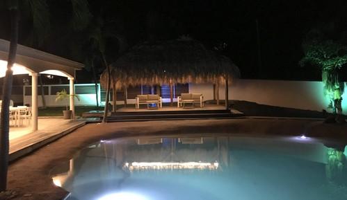 villa-carouge-martinique-piscine-kiosque