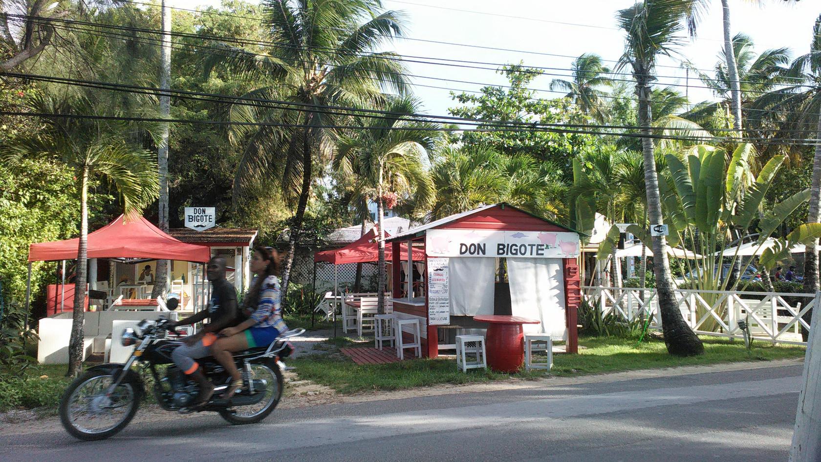 restaurant bord de mer las terrenas.jpg