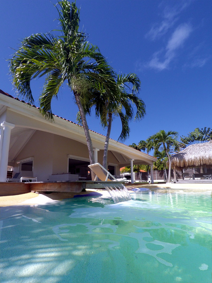 villa-carouge-martinique-piscine-lagon-l