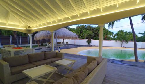 villa-carouge-martinique-terrasse-piscin