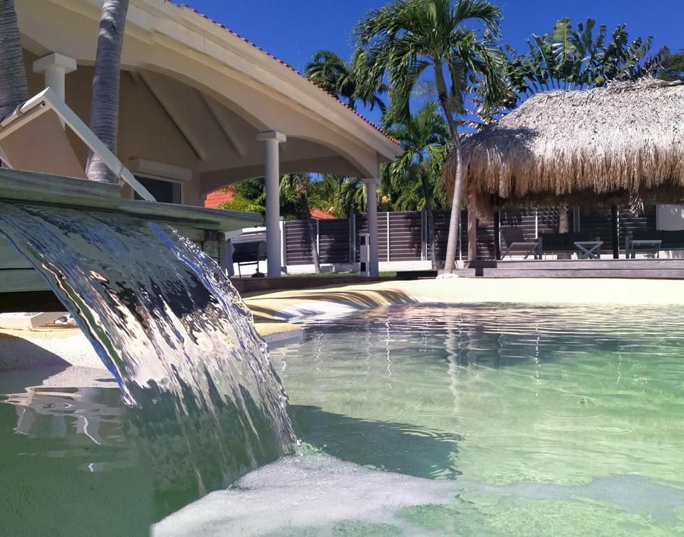 villa-carouge-martinique-piscine-lame-d-