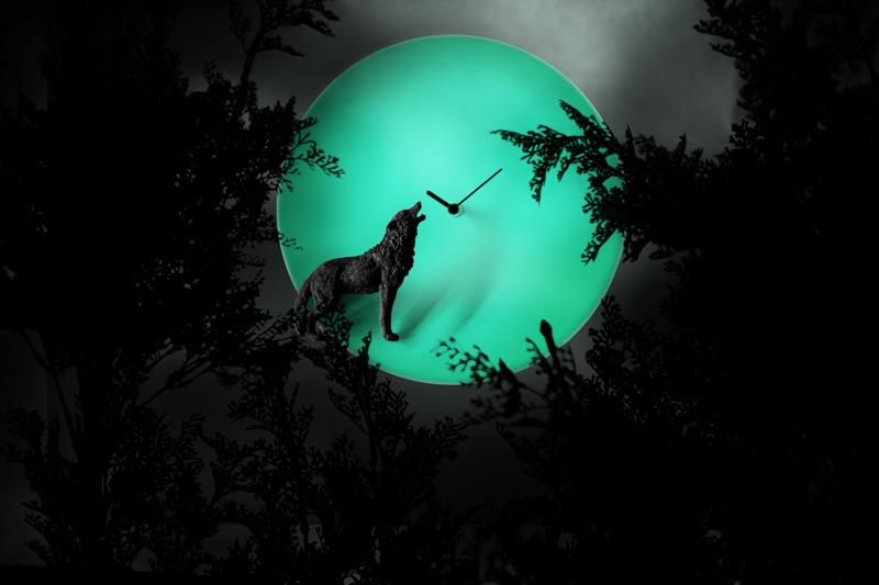 月亮時鐘 – 狼 / Moon X CLOCK-Wolf