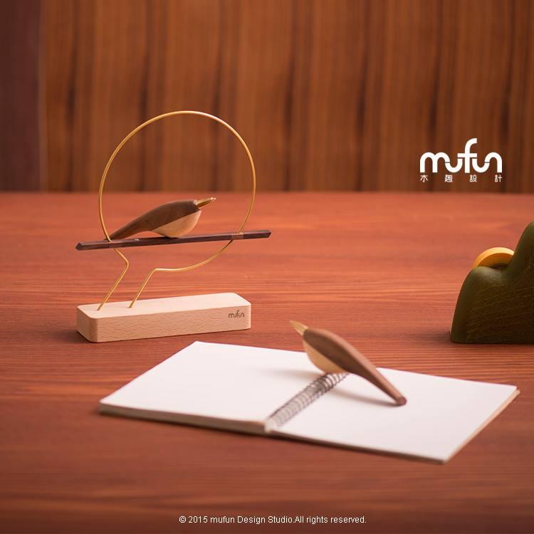 啄墨對筆 / Wing of Pen