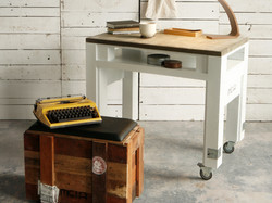 HI004-desk (1)