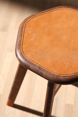 家凳 / Family stool