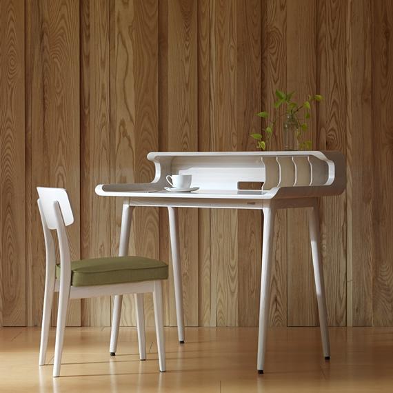 拉風書桌 / Desk