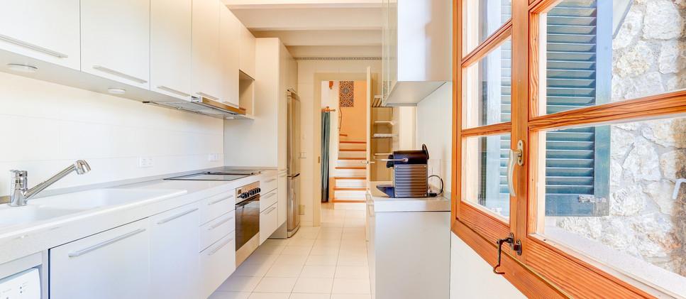 Kitchen 1 - 1.jpg