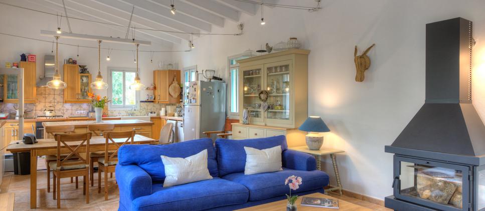Kitchen & living room .jpg
