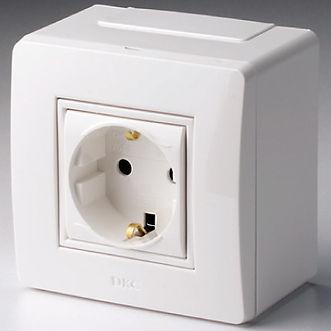 Коробка для миниканалов с силовой розеткой (10482)