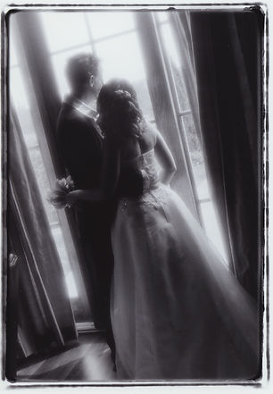 Black and white silhouette of bride & groom in mansion.  Nashville Wedding Photography.