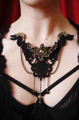 Venetian Lace Floating Necklace
