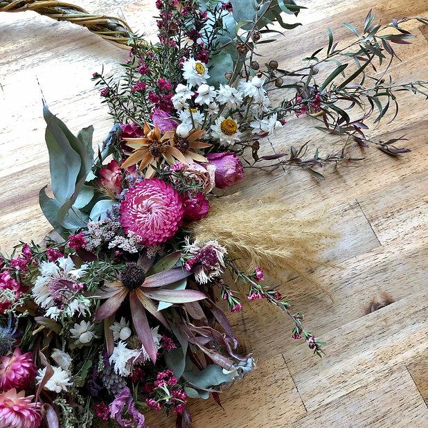 Wreath Details 2.jpg