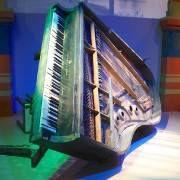 piano_fuckedup.jpg