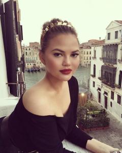 Photo: Instagram.com/chrissyteigen | The Moisturizers Co. skincare blog