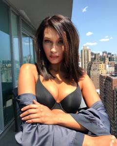Photo: Instagram.com/bellahadid | The Moisturizers Co. skincare blog