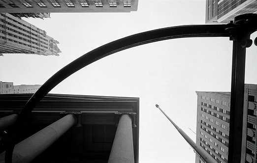 NEW YORK - LOOKING UP  Henri Dauman - 2/4