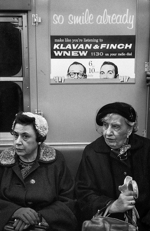 NEW YORK SUBWAY - OLD LADIES