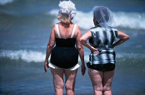 MIAMI BEACH - TWO WOMEN - 4/5