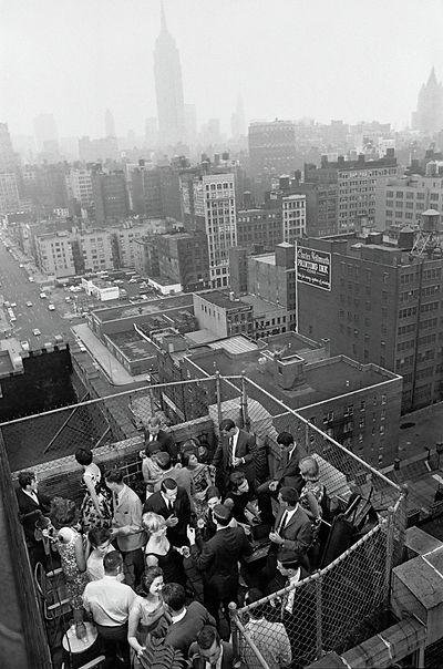 Roof Top party - Henri Dauman - The Manhattan Darkroom
