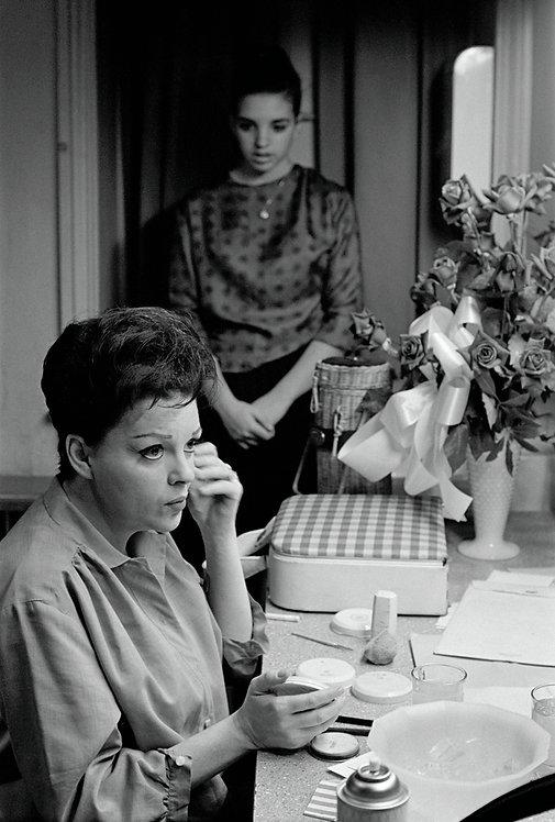 LIKE MOTHER, LIKE DAUGHTER - Judy Garland and Liza Minnelli