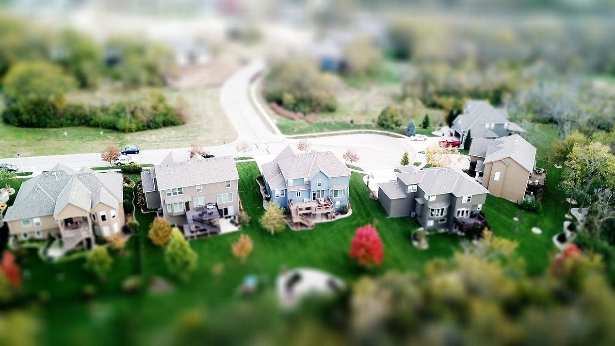 aerial-aerial-shot-architecture-667221.j