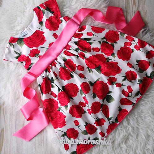 Платье нарядное Розы на белом