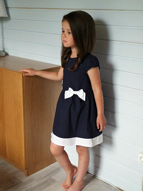 Платье темно-синее с белыми бантами