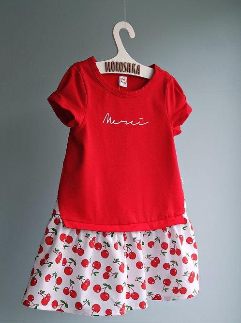 Платье красное с вишенками