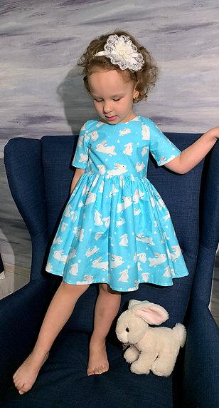 Платье нарядное Зайки на голубом