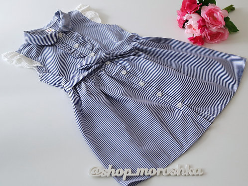 Платье с кружевом в синюю полоску