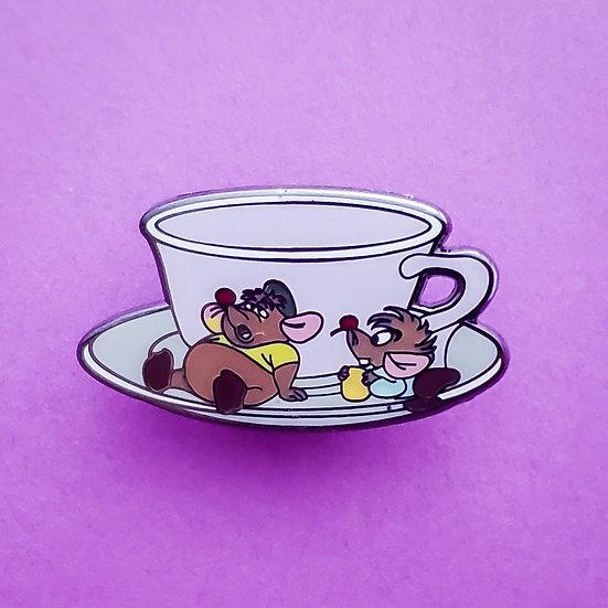 W - Jaq and Gus Cinderella Teacup mini pin