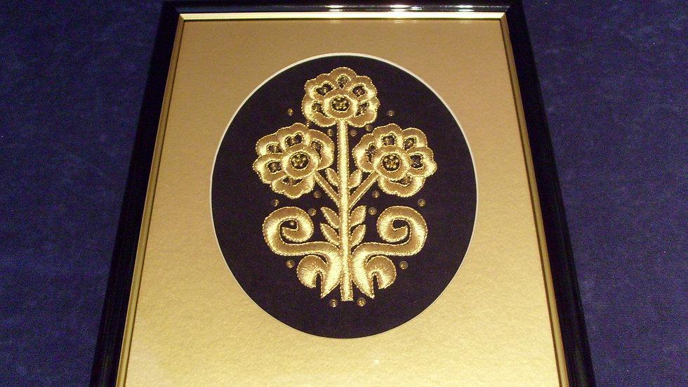 038 -  Uokvirena slika velika zlatovez motiv s nošnje