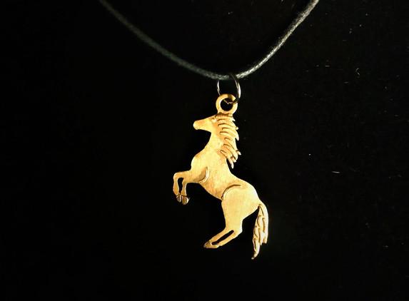 celtic-horse-pendant-natural-bronze