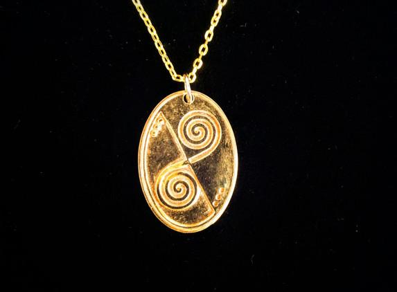 celtic-swirl-pendant-18k-gold-plated