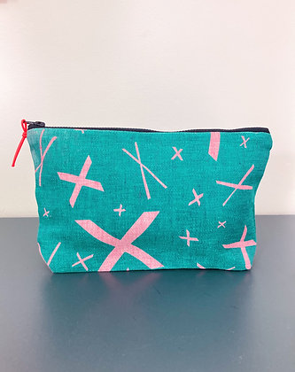 Kisses Pouch Large Green/Pink Linen