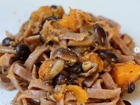 Tagliolini con farina di castagne, zucca e funghi