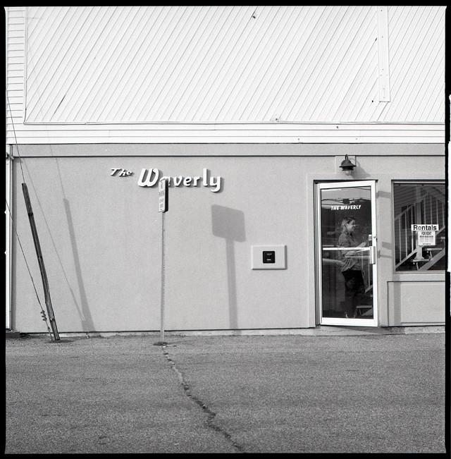 waverly (door open)