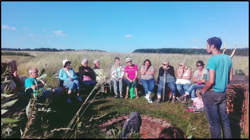 Der katholische Frauenbund Zweigverein Waldberg zu Besuch im Permakulturgarten
