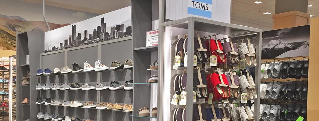 Tom's and Flats Fixture