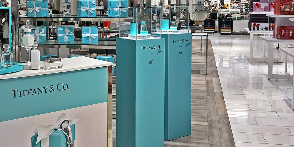The new Tiffany and Co pop up store in HBC Square One Toronto